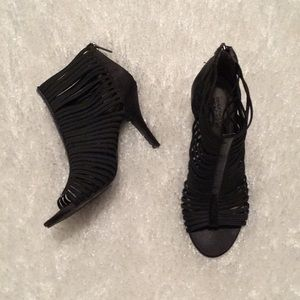 Kenneth Cole Reaction heeled open toe bootie 8-8.5